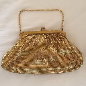 Authentic vintage 1940s Whiting and Davis clutch